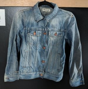 Madewell Distressed Jean Jacket Small